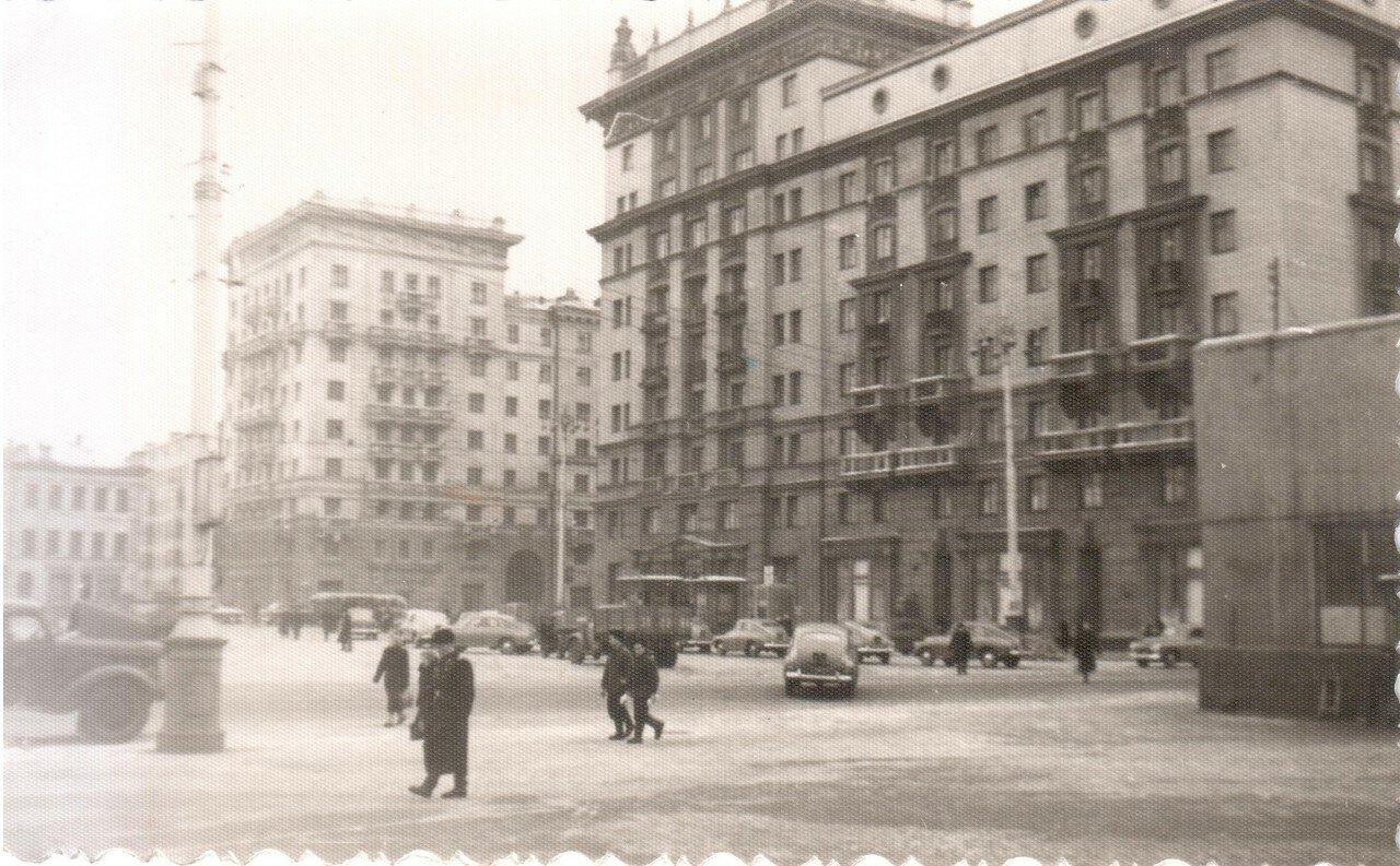 1956. На площади Рижского вокзала