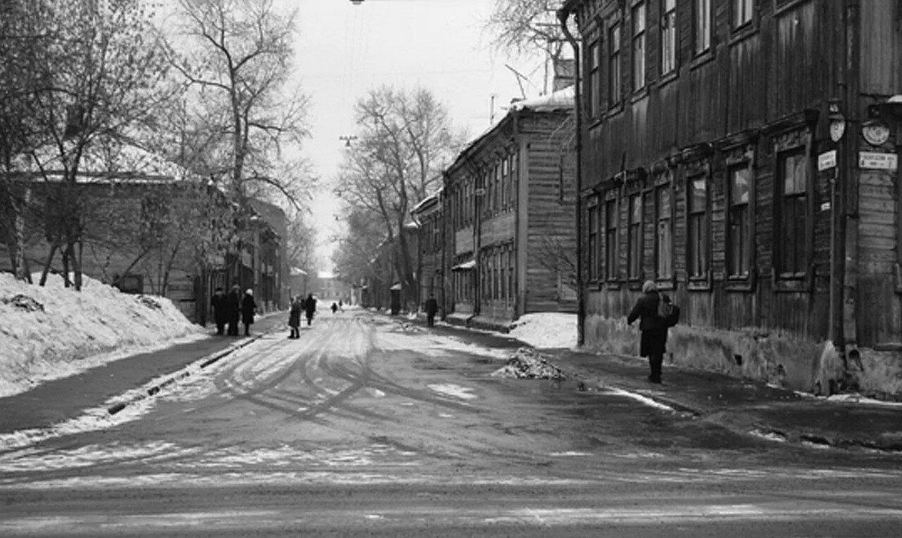 1968. Перспектива Октябрьского переулка от 1-го Лазаревского пер