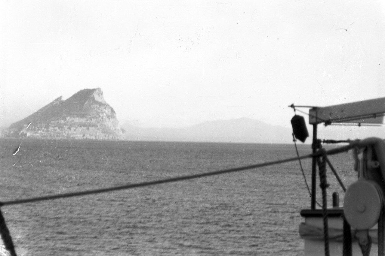 02. Гибралтарский пролив с видом на Гибралтарскую скалу