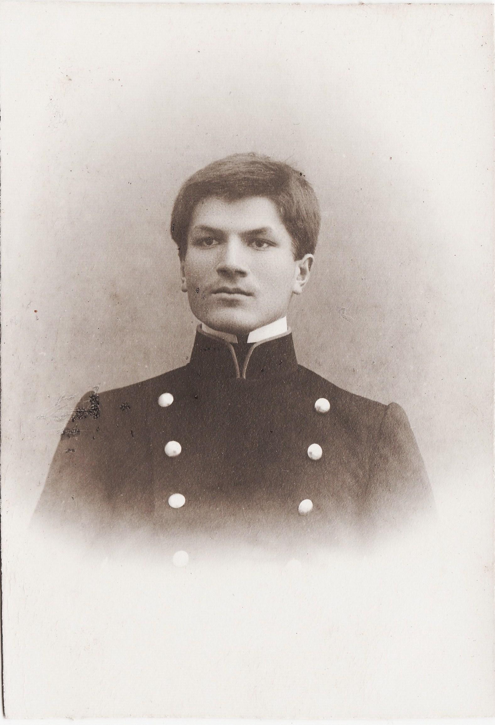 Студент Покровский Дмитрий. II отделение 2 разряд