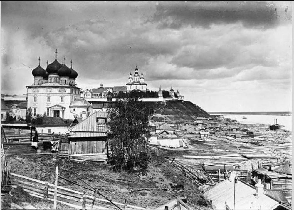 Трифонов монастырь и кремль