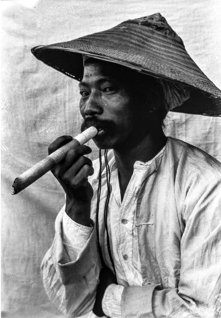989. Портрет мужчины с сигарой