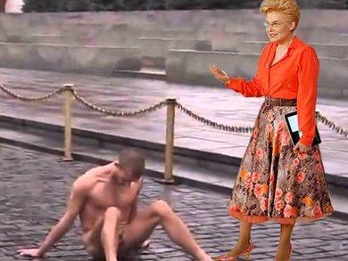 Павленский прибил яйца к Красной площади(2)