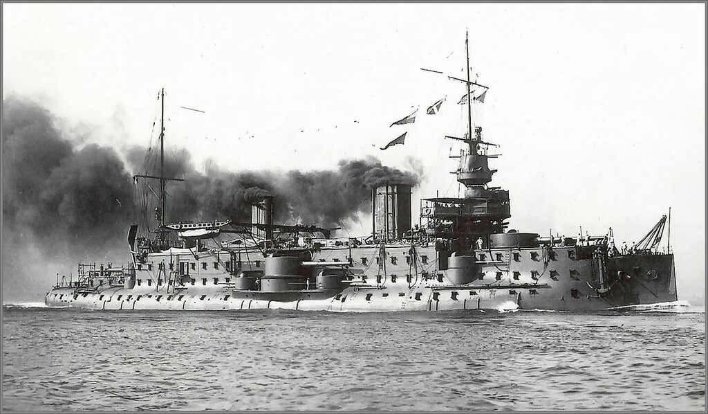 French predreadnought battleship Carnot underway.