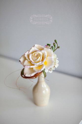 Красивые мини букеты на свадьбу.