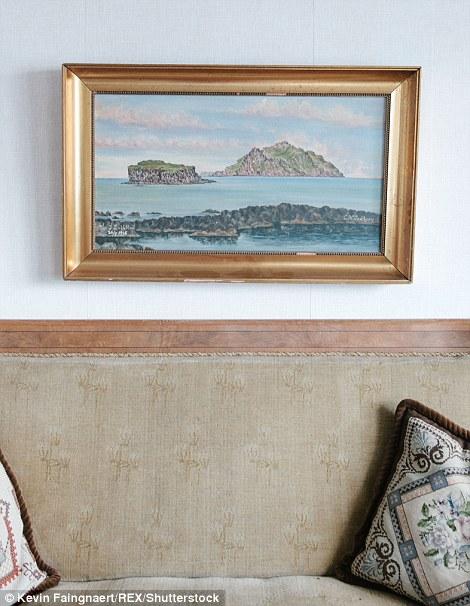 Картина в доме одного из жителей деревни Bour на острове Воар.