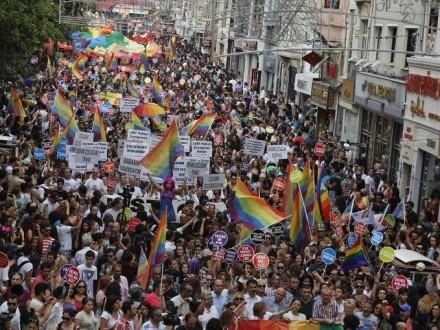 ВСтамбуле запретили гей-парад посоображениям безопасности