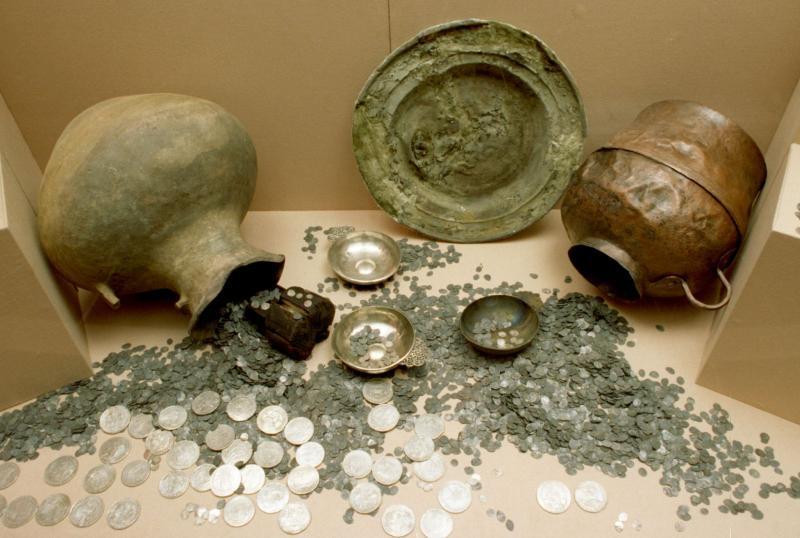В калиниграде обнаружен клад римских монет.