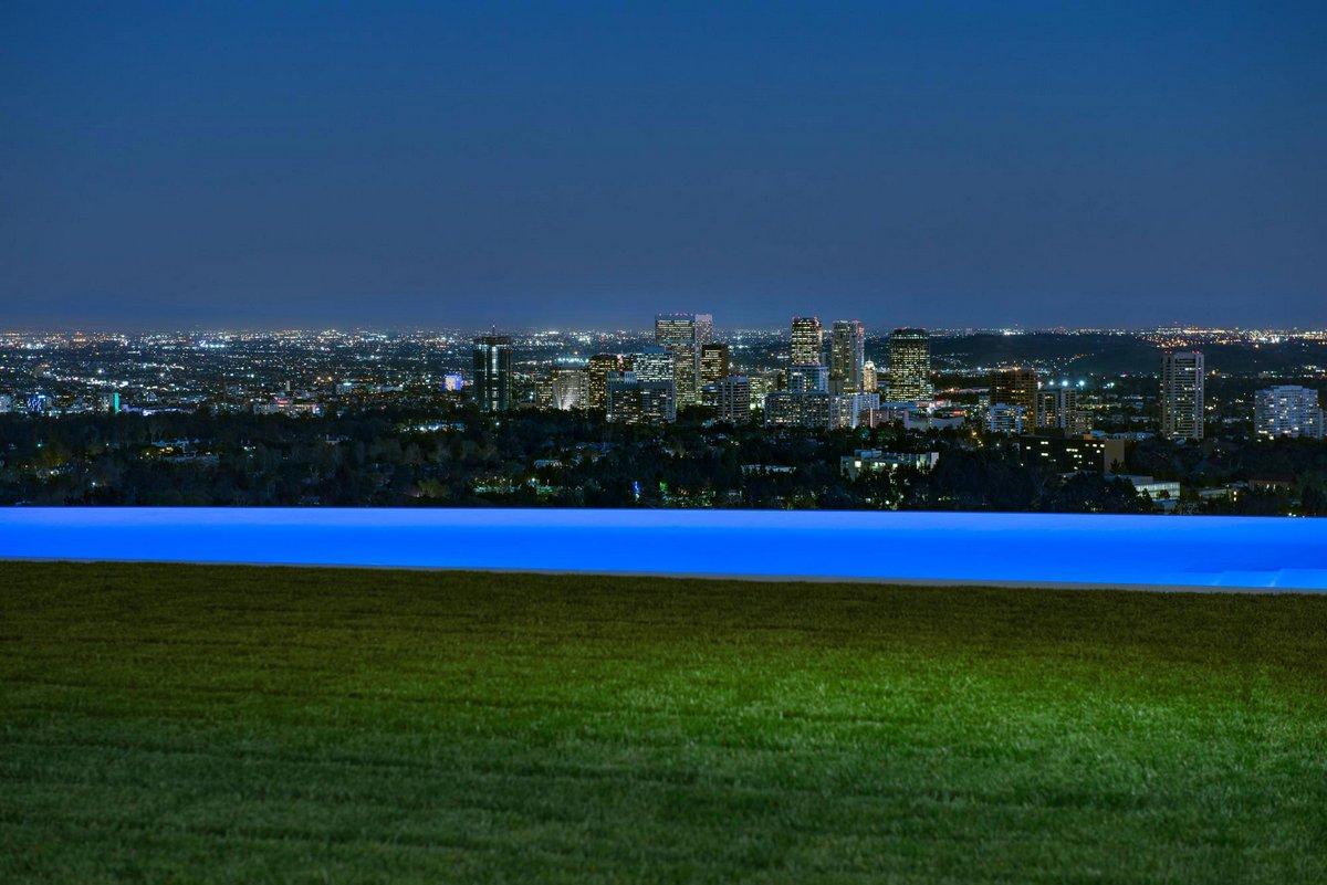 Особняк в Бэль Эйр с видом на Лос-Анджелес