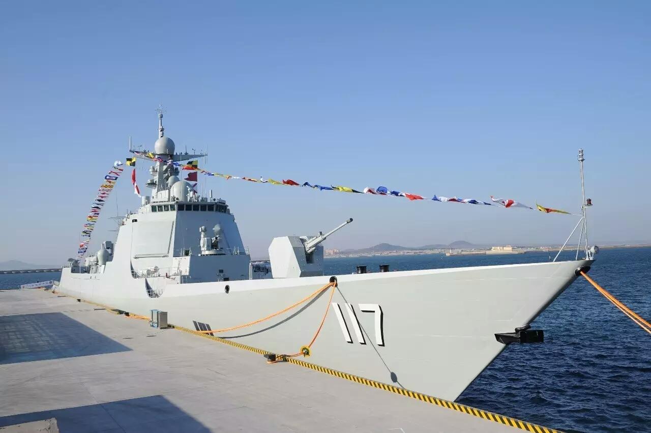 Пятый эсминец пр.052D принят в состав ВМС Народно-освободительной армии Китая