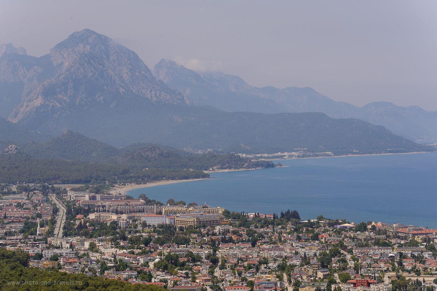 Фотография 28. Вид со смотровой площадки на Кемер и прилегающие горы. 1/250, 8.0, 100, 110.