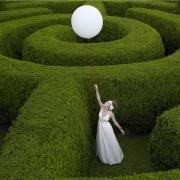 девушка и воздушный шарик