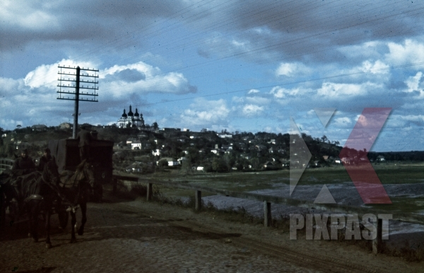 stock-photo-view-of-cathedral-in-lubny-ukraine-winter-1941-german-horse-wagon-and-truck-94-infantry-division-12051.jpg