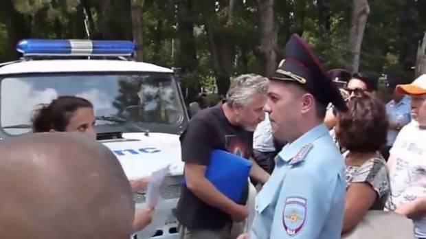 """""""Разрешили, а потом передумали"""": В сеть выложили видео, как разогнали митинг """"Обманутый Крым"""""""