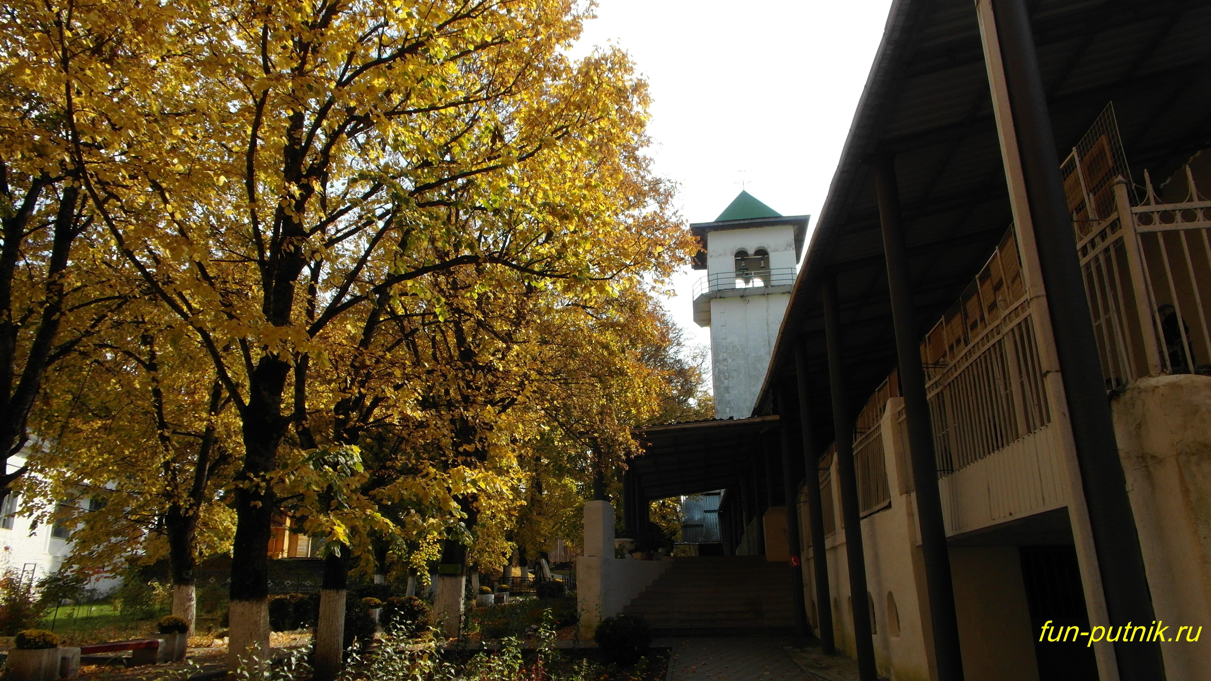 Осень в Адыгее - Михайло-Афонский монастырь