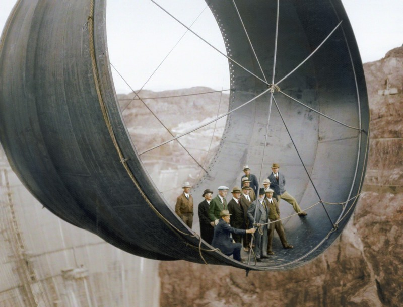 Строительство дамбы Гувера, уникального гидротехнического сооружения в США, представляющего собой бе