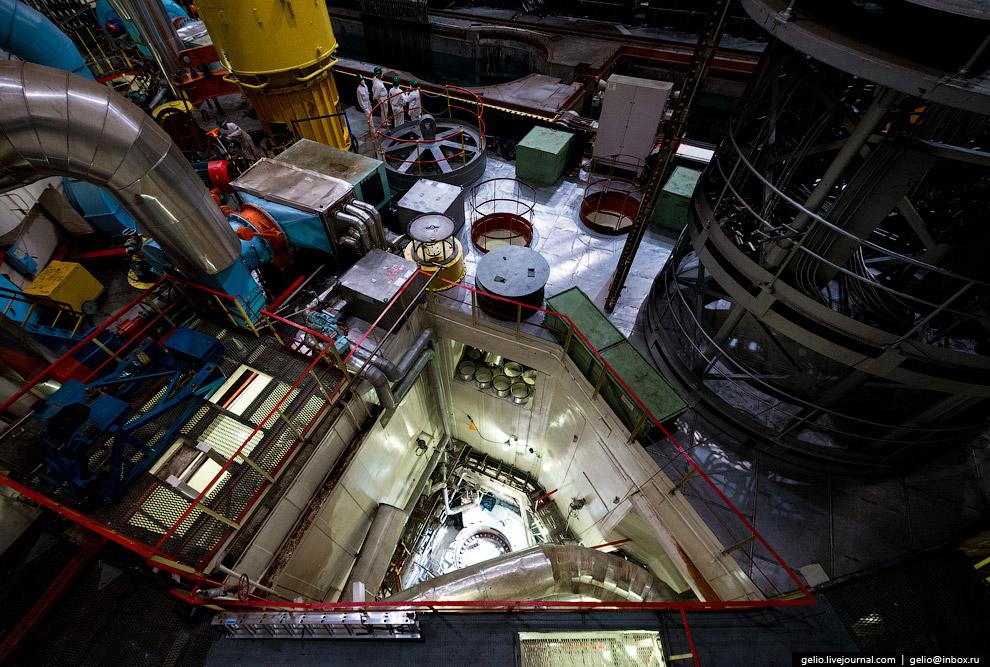14. Бассейн мокрой перегрузки ядерного топлива. Для поддержания нормальной работы реактора необ