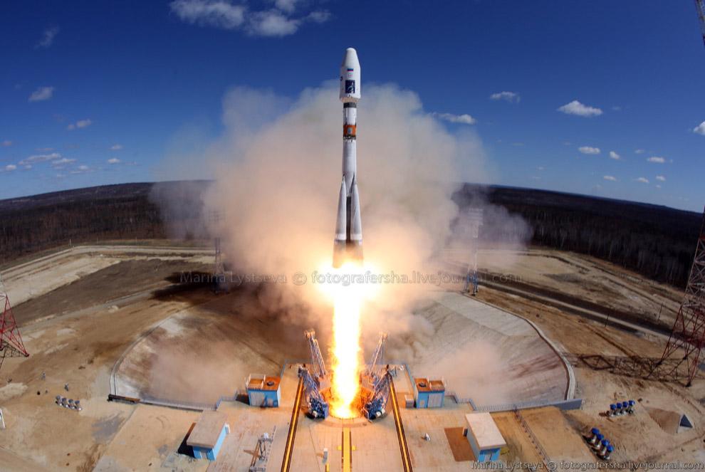4. На орбите находятся российские космические аппараты «Аист-2Д», научный спутник МГУ «Михайло