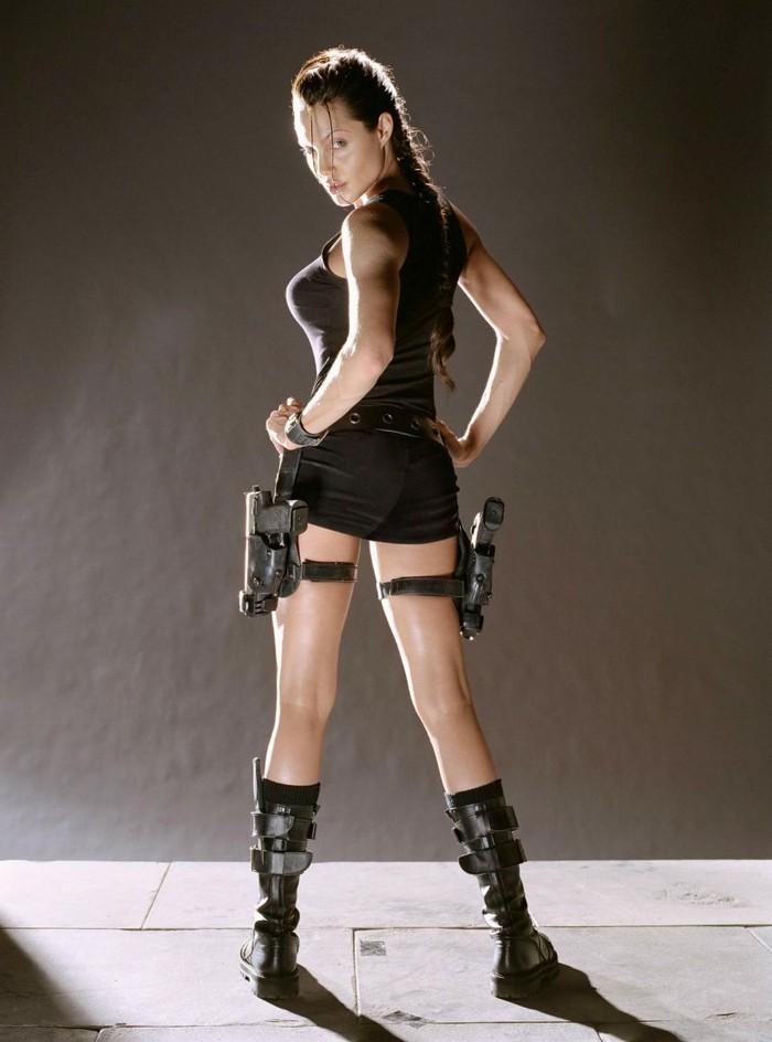 12. Анджелина Джоли. 3-й размер Анджелина Джоли сейчас находится в необычном карьерном положении. С