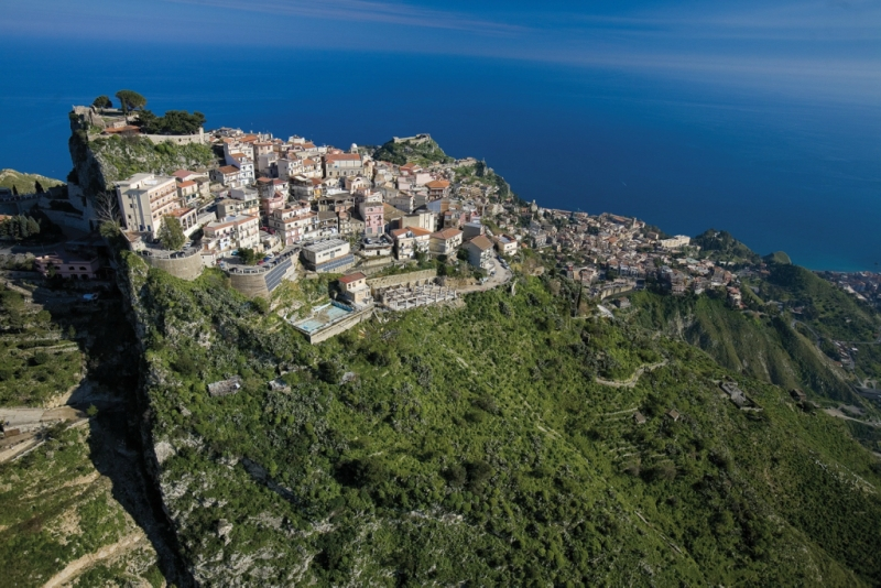 Самые красивые деревни Италии, Кастельмола