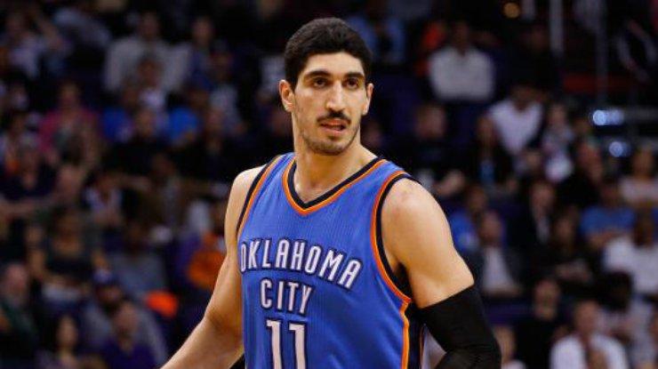 Семья отреклась отигрока НБА из-за его политических взглядов