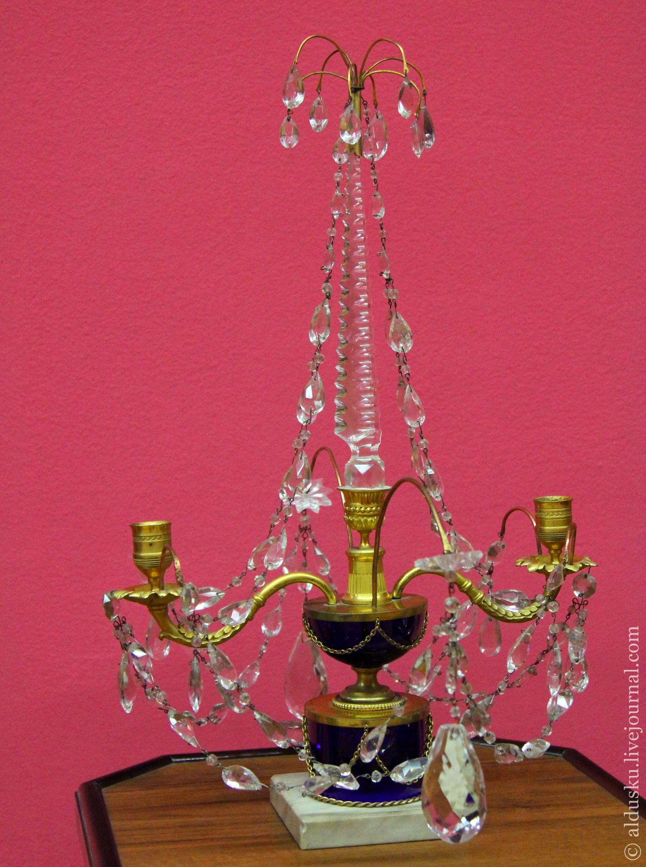 Жирандоль. Первая четверть XIX в. Золоченая бронза, хрусталь, кобальтовое стекло