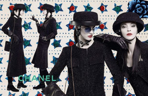 Karl Lagerfeld captured Chanel 's Fall Winter 2016.17 advertising campaign featuring supermode
