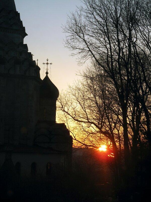 Апрельский восход