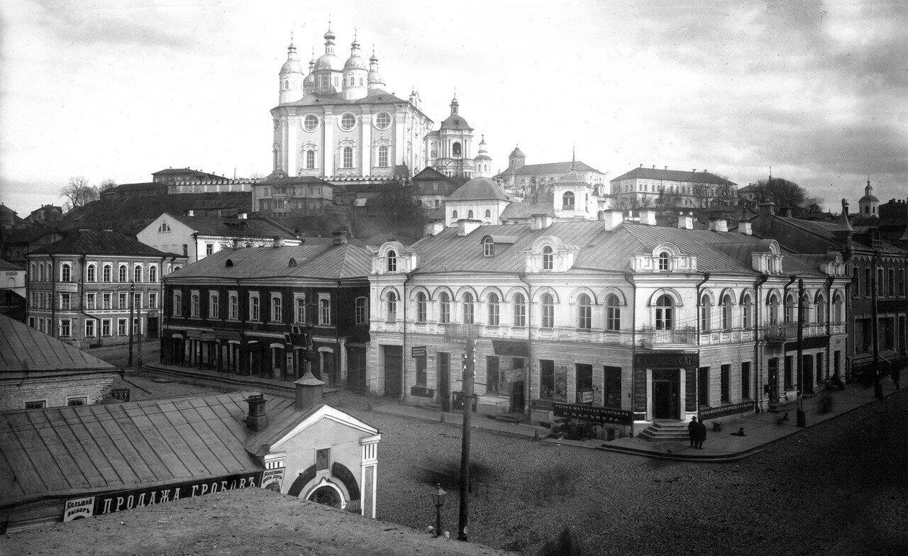 Вид с крепостной стены на Армянскую улицу и Соборную гору. 1909