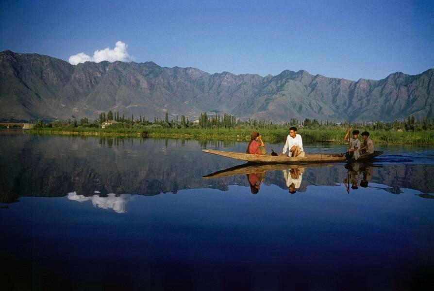 Dal Lake, Srinagar, Kashmir, India, 1957, Brake, Brian.jpg