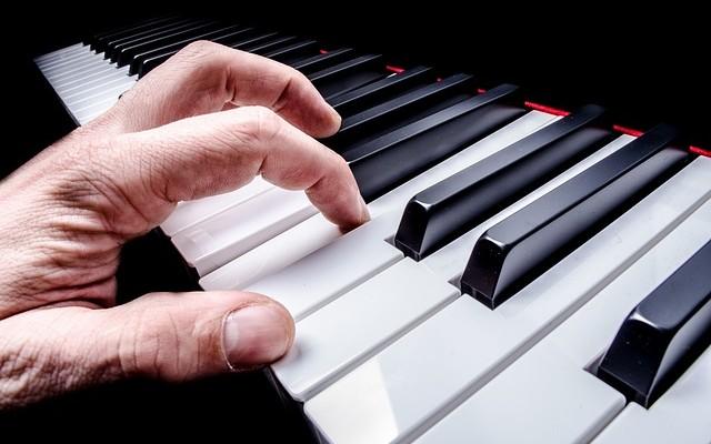 Девятнадцатилетний музыкант собирается побить рекорд быстрого пианиста