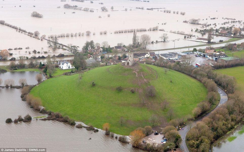 Вид сверху: страшное наводнение в Великобритании