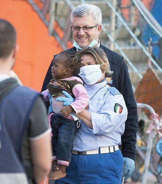 Беженцы стали массово прибывать на Сицилию