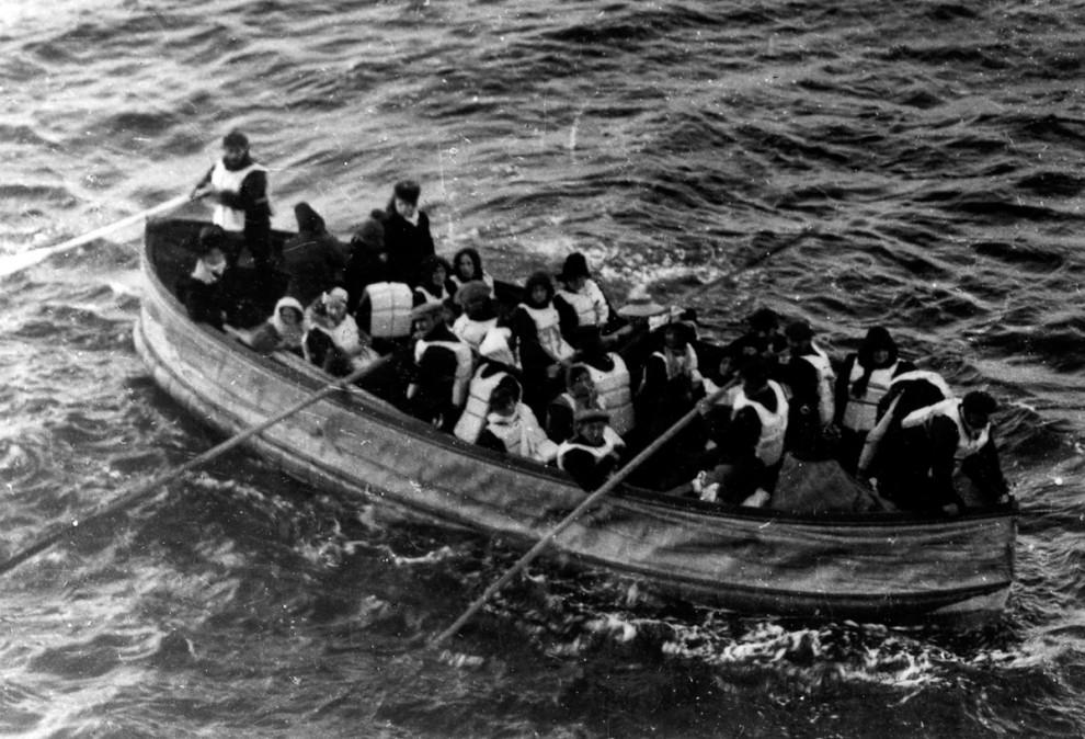 Выжившие пассажирки «Титаника» на палубе парохода «Карпатия», 15 апреля 1912 года.