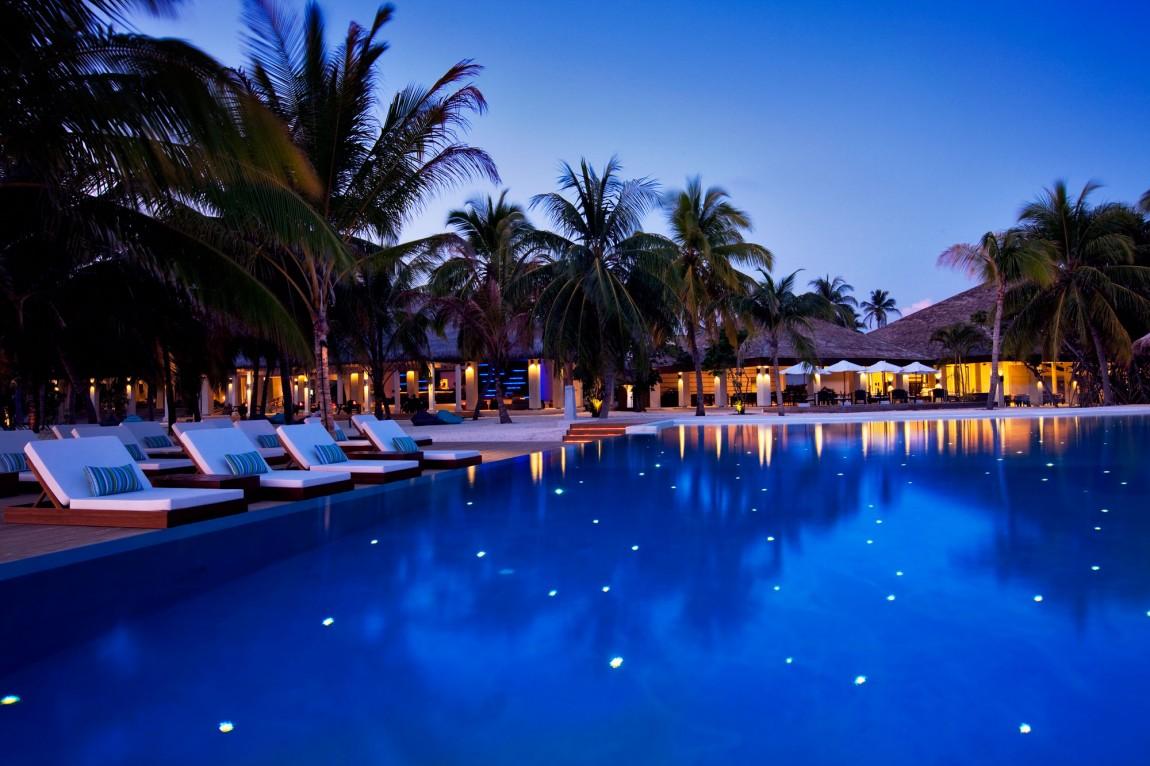 Остров Велассару (Velassaru) это остров курорт, расположенный на Мальдивах в Южном Мале. Расположивш