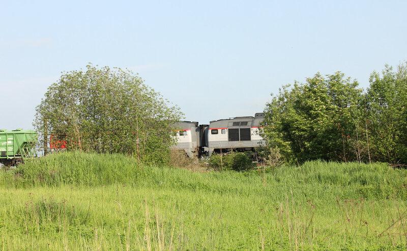 2М62У-0120 с грузовым поездом Вязьма - Ржев проследует станцию Сычёвка