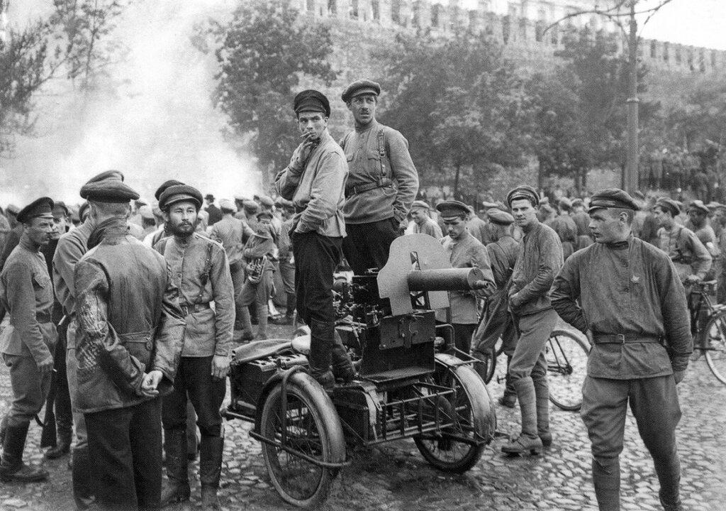 445696 Празднование Дня Всеобуча на Красной площади РГАКФД 1918.jpg