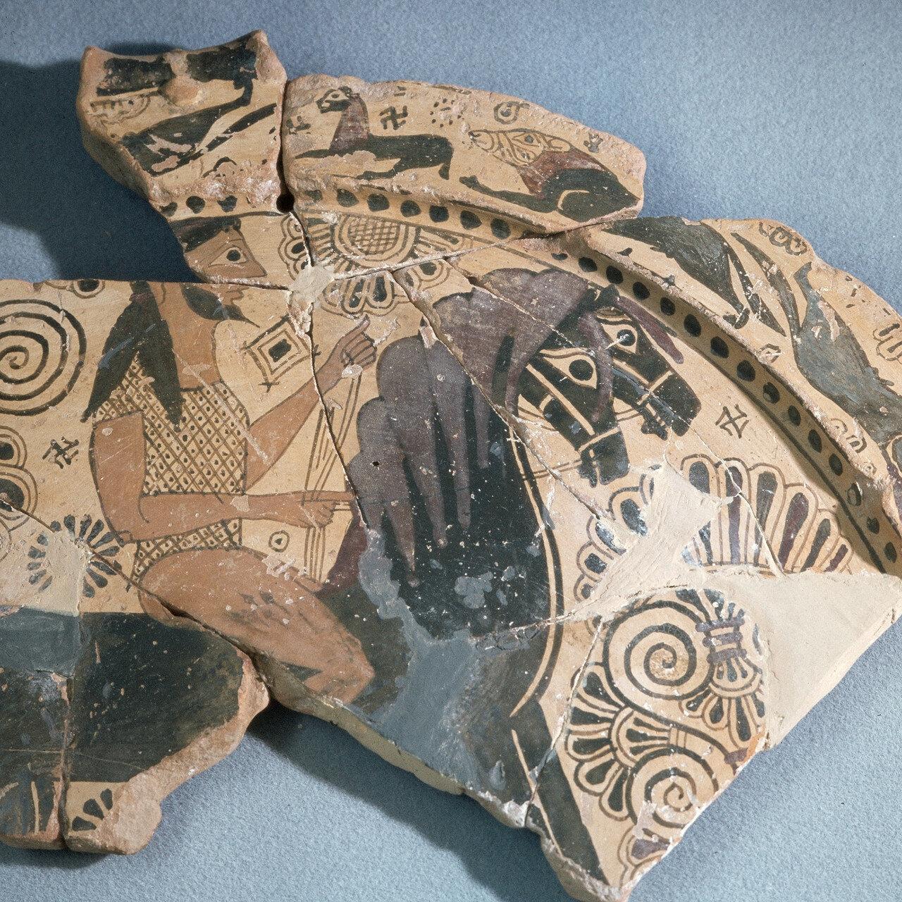 Тасос.  Археологический музей, Архаическое, полихромное изображение всадника из святилища Афины в древнем городе Тасос