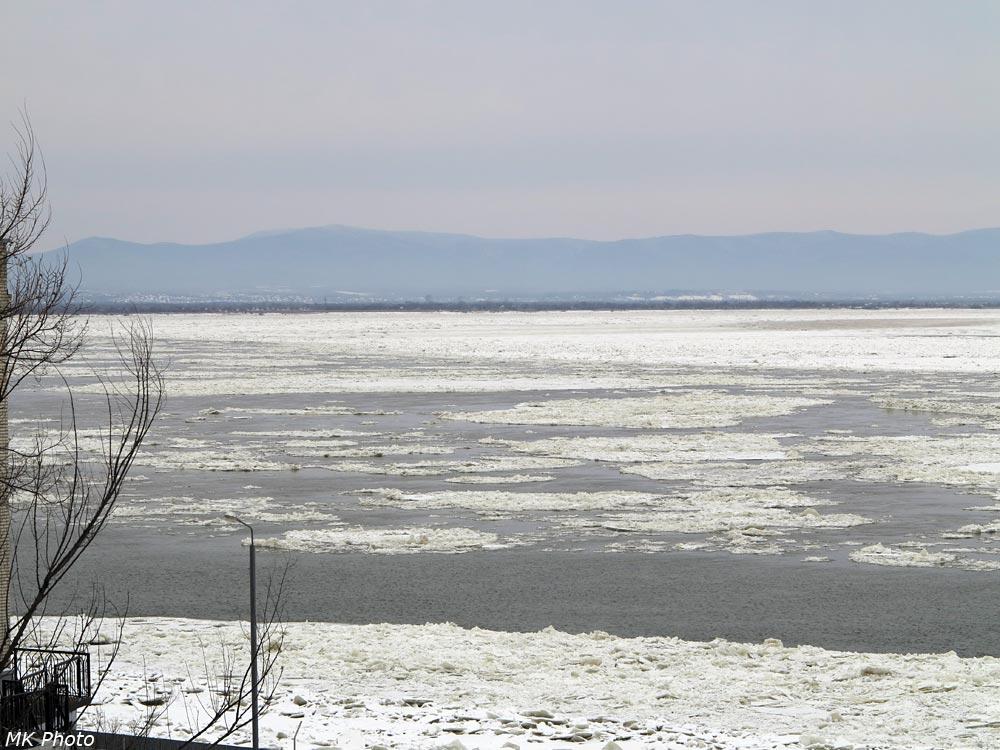 Льдины на Амуре