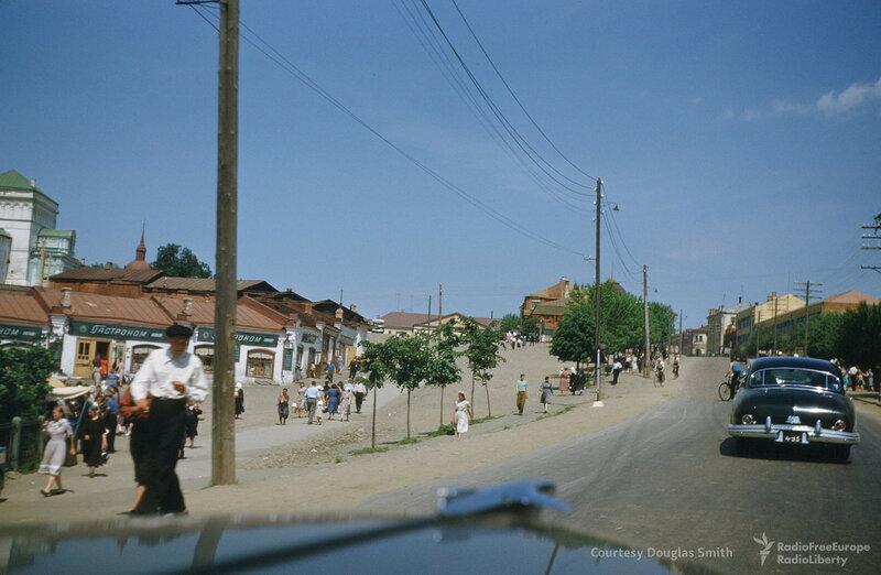 1953с Троице-Сергиевская лавра. Пр-т Красной Армии Martin Manhoff.jpg