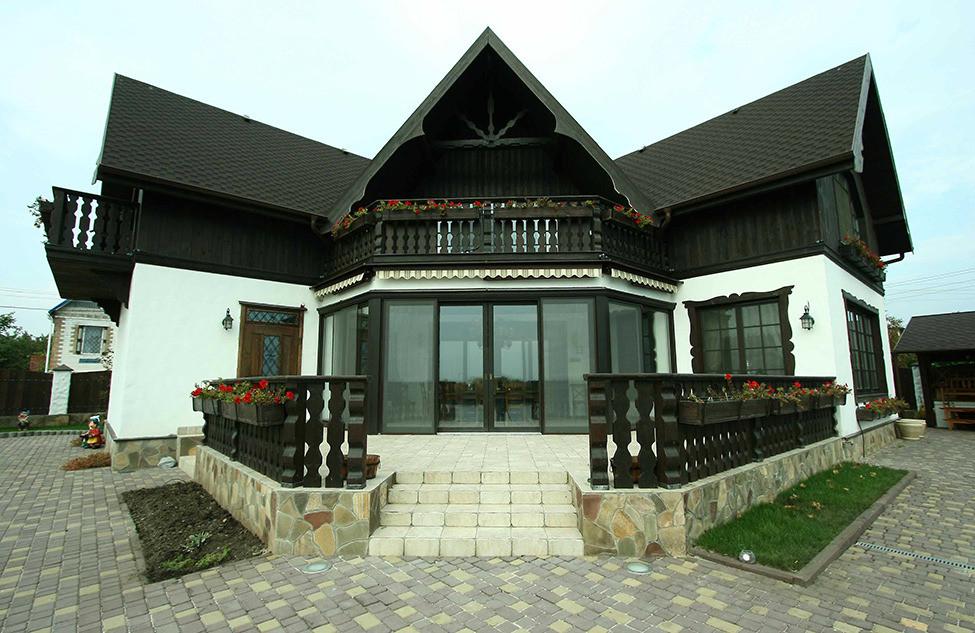 Дом в стиле шале в пригороде Днепропетровска