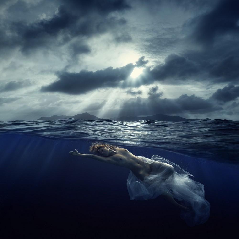 Девушки под водой на снимках Дмитрия Лаудина