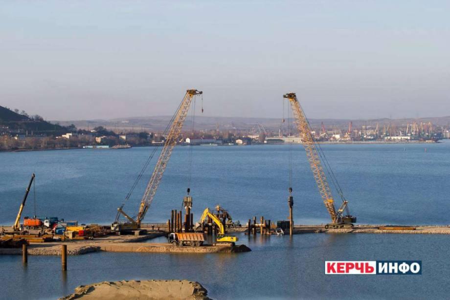 Строительство Керченского моста отрицательно влияет на экологию Черного моря, - замглавы МИД Зеркаль