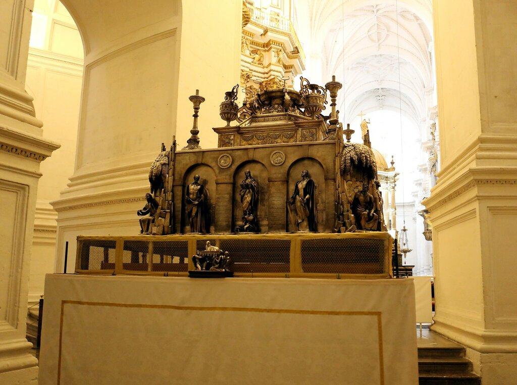Гранада. Кафедральный собор. Интерьеры