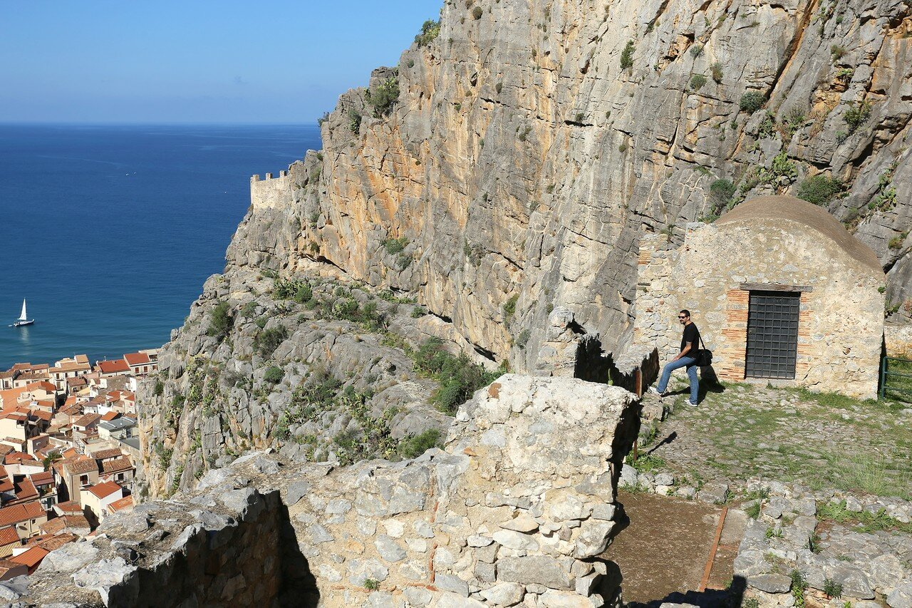 The natural Park of the Rock of cefalù (Rocca di Cefalù)