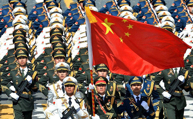 9. 2-е место занимает народно-освободительная армия Китая. В ее рядах служит 2,3 миллиона человек.