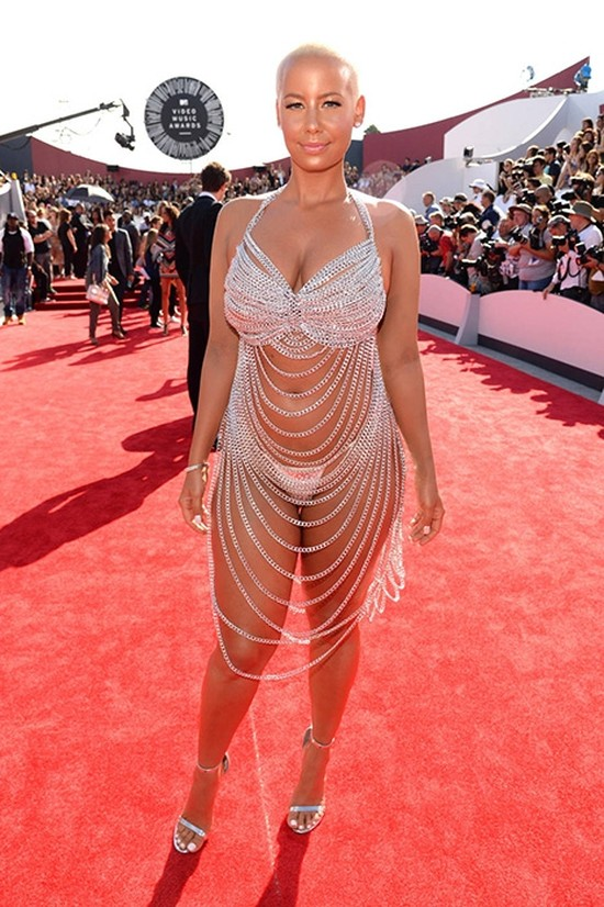 17. Эмбер Роуз на премии VMA, 2014 год