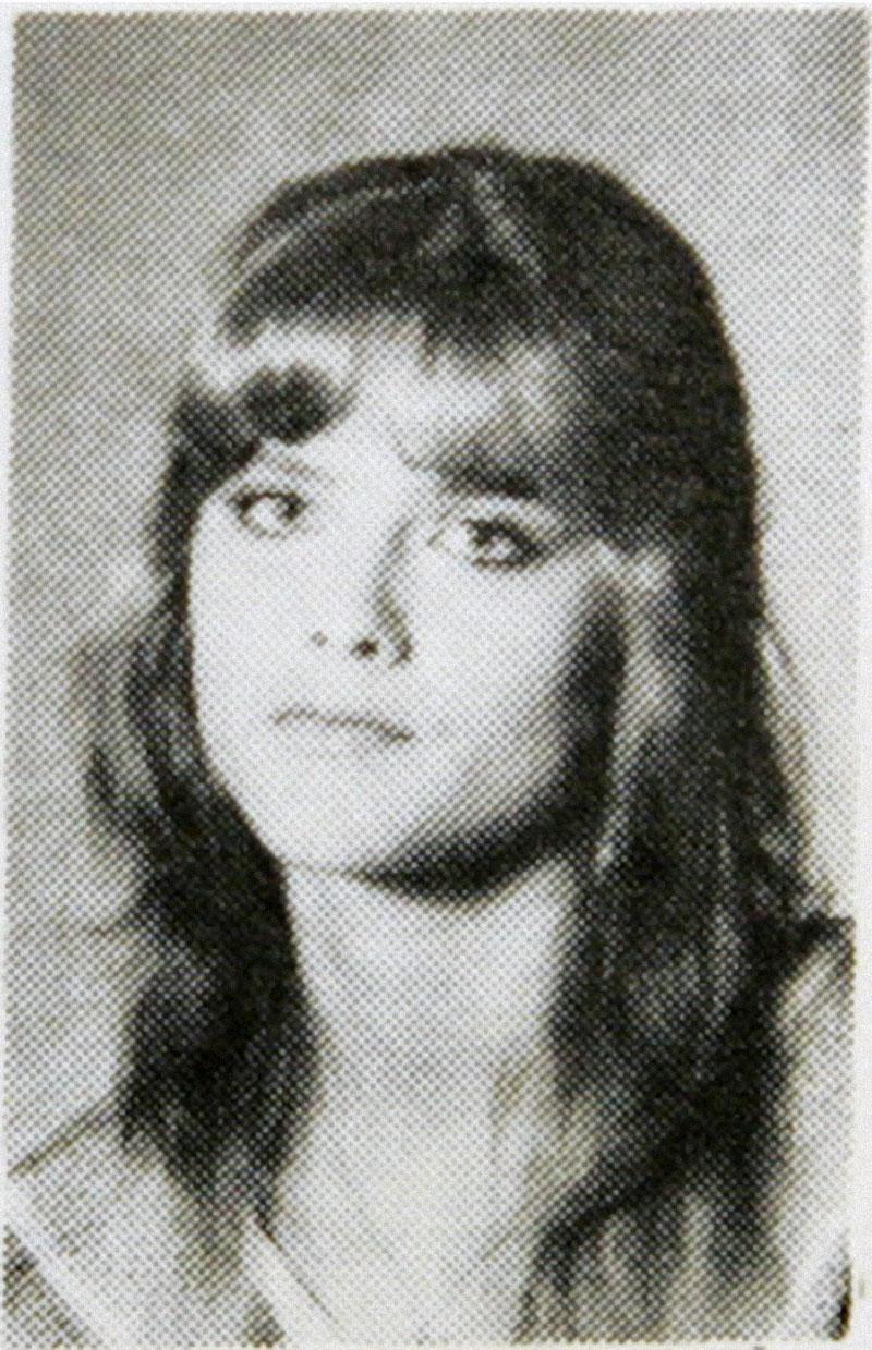 Она родилась под именем Вики Линн Хоган 28 ноября 1967 года в Мексии, штат Техас. Отец бросил их. Ее