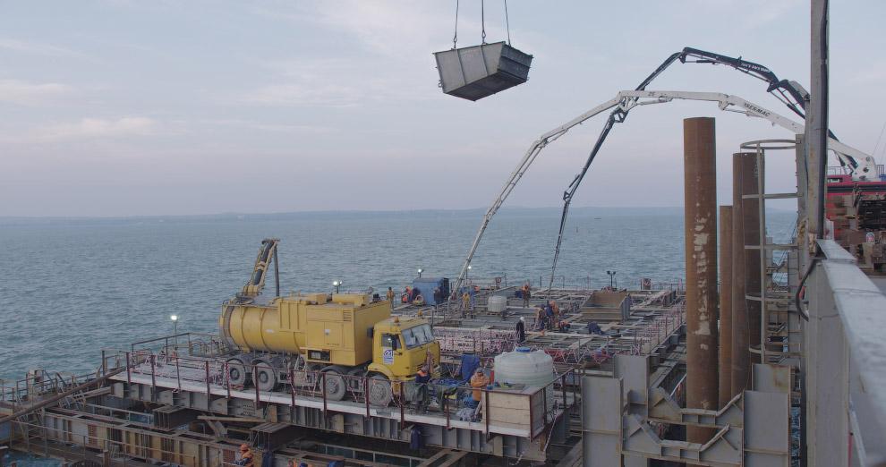 12. На сегодня собрано более 41 тысячи тонн металлоконструкций пролетов автодорожного и железно