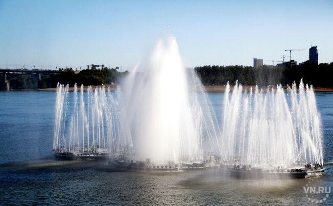 Историческое шоу покажут назакрытии плавучего фонтана нанабережной Оби